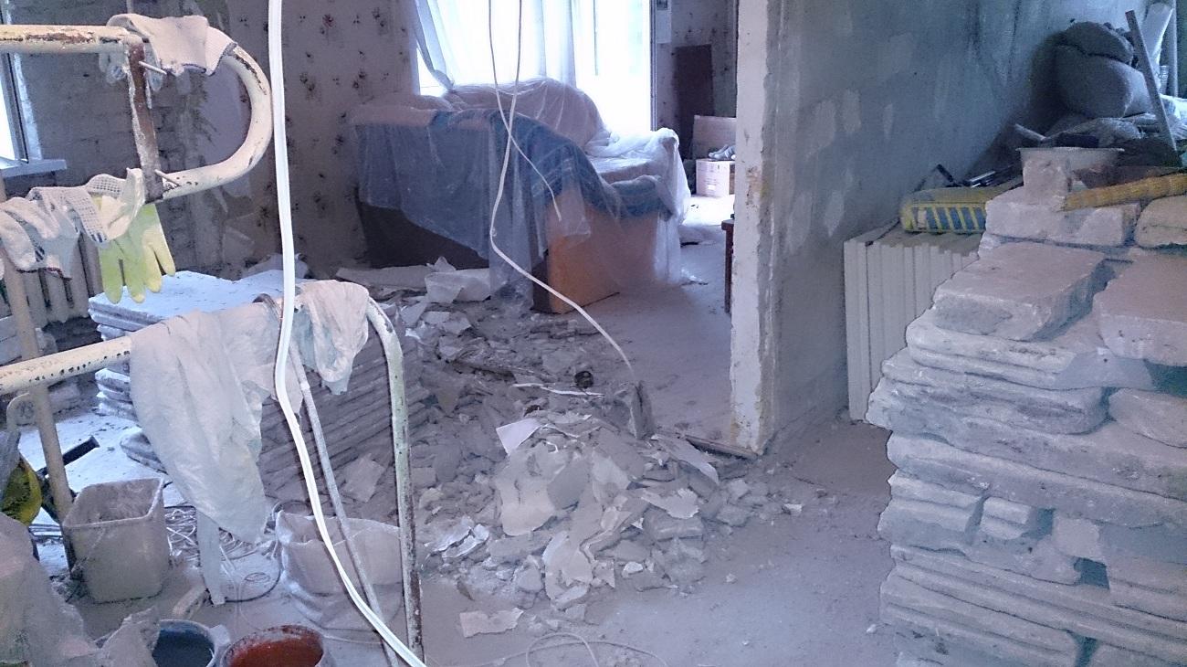 Вид из прихожей до начала ремонта