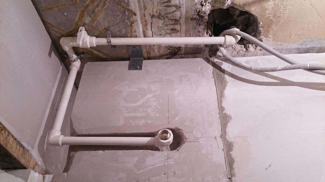Подводка к полотенцесушителю в стене