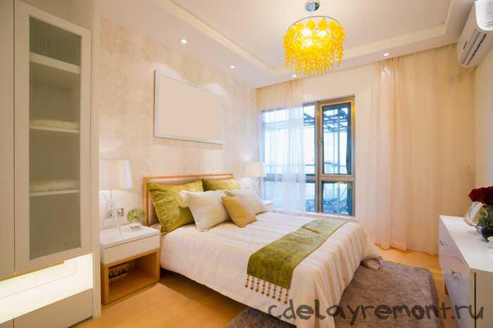 Простое оформление спальной комнаты