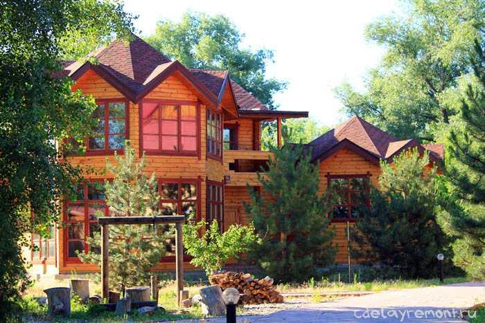 Построенный из сухого бруса дом