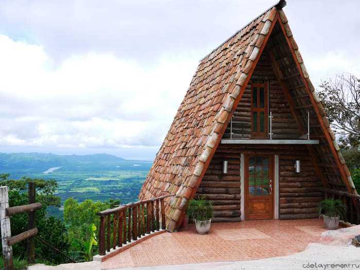 Простой деревянный дачный домик