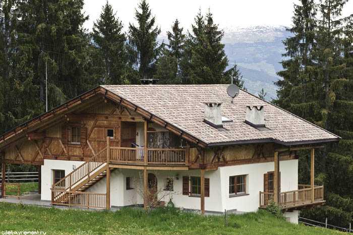 Дом из бруса и кирпича