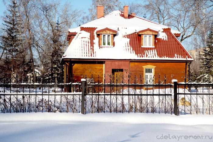 Дом из бруса с кукушкой