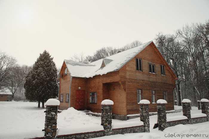 Большая деревянная баня
