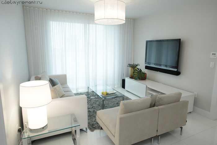 Тесная гостиная, загроможденная мебелью
