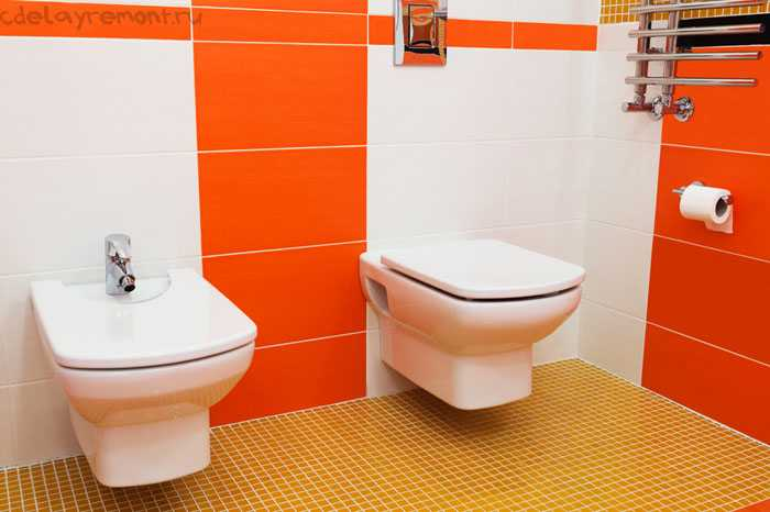 Яркая плитка в туалете