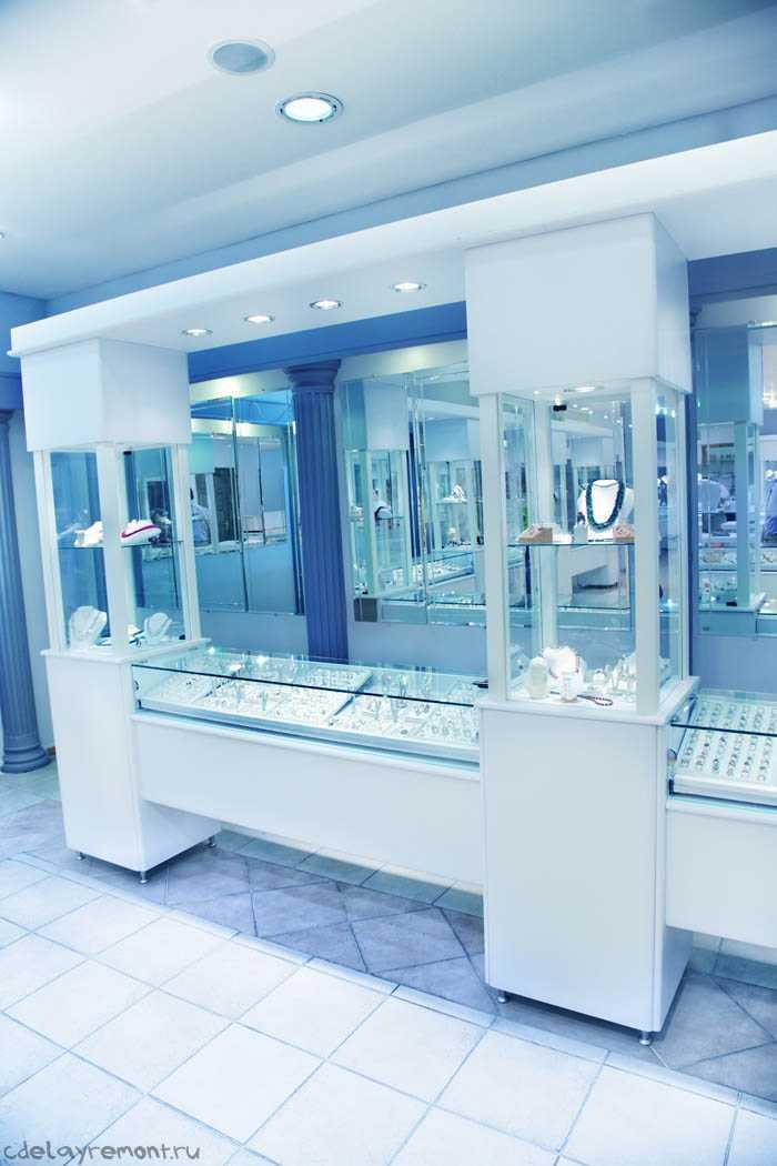 Интерьер магазина, торгующего ювелирными украшениями