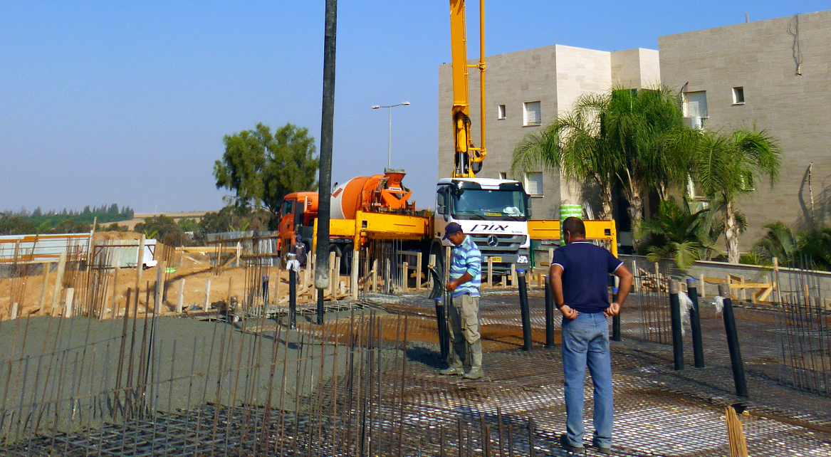 Сколько стоит заливать бетон в москве стиральные машины бетон