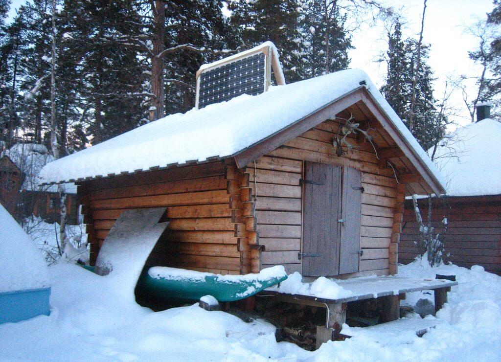 В снежных районах панели рекомендуется устанавливать вертикально